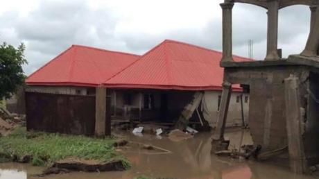 Nigéria : 100 000 personnes déplacées dans le sud-est du pays en raison des inondations (IMAGES)