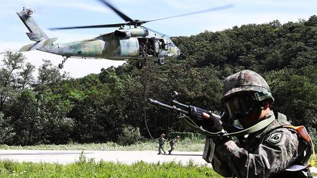 Des soldats sud-coréens prennent part à des exercices militaires conjoints avec les Etats-Unis en août 2017.