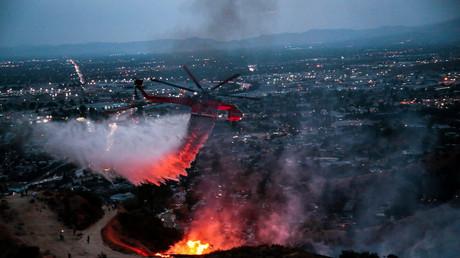 Violents incendies dans l'ouest américain, l'état d'urgence décrété
