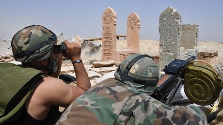 Des soldats de l'armée arabe syrienne dans les environs de Deir ez-Zor