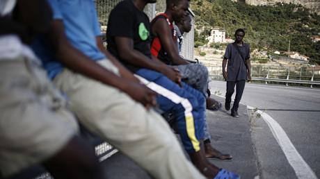 Nice : un journal gratuit hostile aux militants pro-migrants visé par la justice
