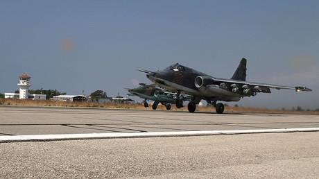 Un avion de chasse Su-25 décolle de la base de Hmeimim base en Syria, photo  ©Dmitriy Vinogradov / Sputnik