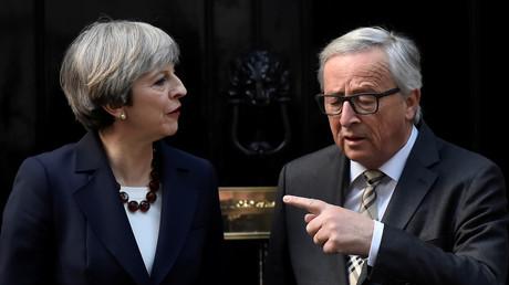 Le Premier-ministre britannique Theresa May et le président de la Commission européenne Jean-Claude Juncker