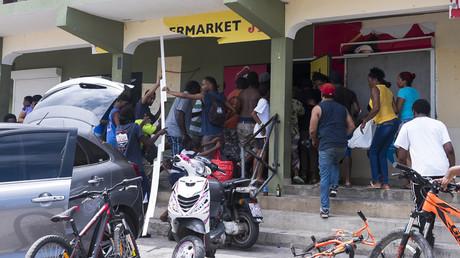 Un magasin pillé à Saint Martin