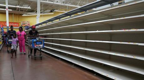 Profitant du chaos après le passage d'Irma, certains font flamber les prix à Miami