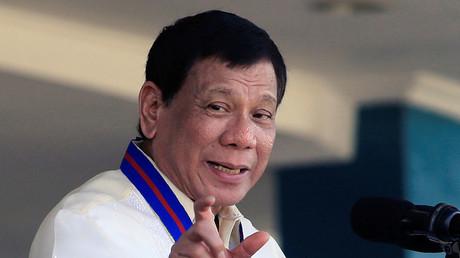 «Vous êtes pédophile ?» Duterte attaque le chef de la commission philippine des droits de l'homme
