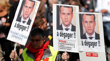 Des manifestants mobilisés contre la réforme du Code du travail à Paris le 12 septembre.