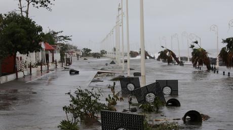 L'ouragan Maria balaye la Guadeloupe, faisant au moins deux morts