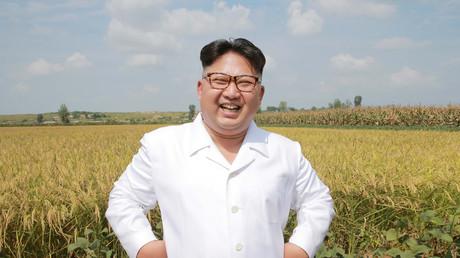 Kim Jung-un visite une ferme en Corée du Nord en 2016