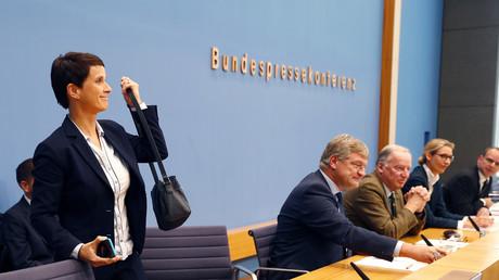 Frauke Petry est partie en pleine conférence de presse
