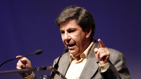 Jacques Sapir à un congrès de Debout la République en 2010.