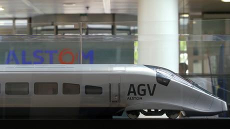 Maquette de l'automotrice à grande vitesse (AGV) d'Alstom, présentée en mai 2017.