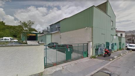 Montreuil : la police déloge brutalement des riverains venus bloquer une usine jugée polluante