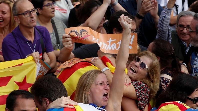 EN CONTINU : Le Parlement catalan déclare l'indépendance de la région
