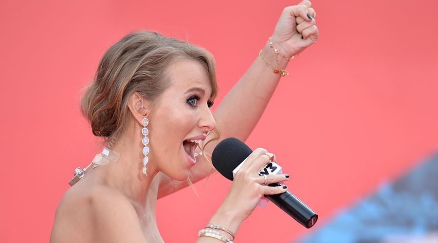 Fille glamour et soutien de Navalny, Ksenia Sobtchak est candidate à la présidentielle russe