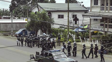 Les forces de l'ordre patrouillent dans la ville de Buea au Cameroun, le 1er octobre