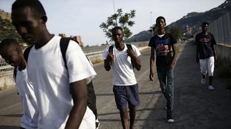 Des migrants dans la vallée de la Roya
