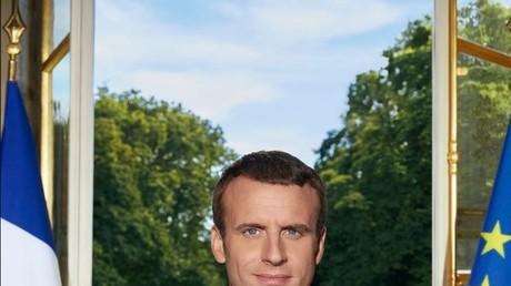Capture d'écran Twitter du portrait officiel du président français Emmanuel Macron