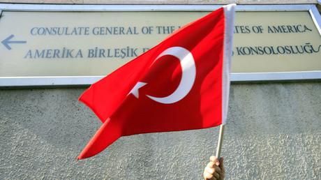 Les tensions diplomatiques entre Washington et Ankara virent à la guerre des visas