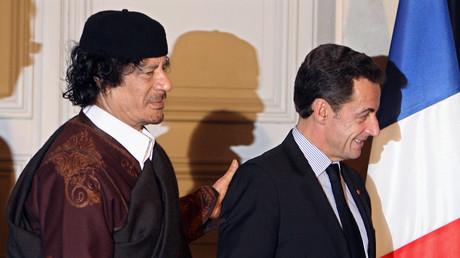 Nicolas Sarkozy et Mouammar Kadhafi à Paris en 2007