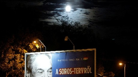 Une affiche pour inciter les Hongrois à participer à la Consultation sur le plan Soros à Budapest, le 4 octobre