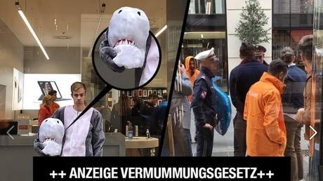Les policiers viennois ont verbalisé cet homme qui portait un costume de requin, le 6 octobre