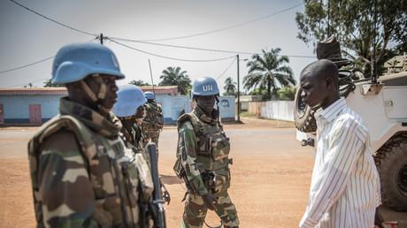 Patrouille de soldats sénégalais de la Minusca stationnés à Bangui en décembre 2015.