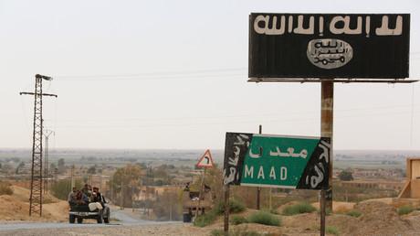Panneau de Daesh à proximité de  Deir-ez-Zor (illustration).