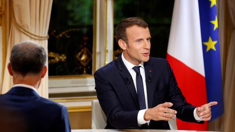 Emmanuel Macron place le terme «croquignolesque» en interview, après la «poudre de perlimpinpin»