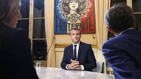 Emmanuel Macron lors de son grand oral au 20h de TF1