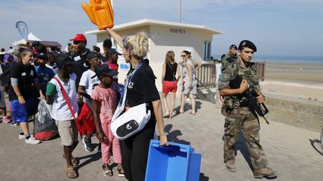 Pauvreté en France : le «président des riches» se penche sur le sort des enfants défavorisés