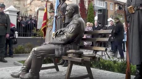 Ukraine : l'inauguration d'une statue dédiée à Simon Petlioura, signe de la montée du nationalisme ?