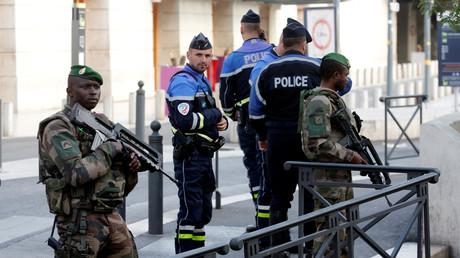Militaires et policiers à Marseille après le meurtre de deux jeunes femmes le 1er octobre