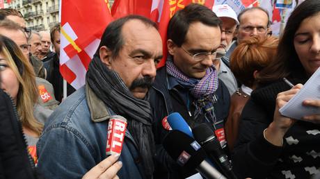 Modeste mobilisation contre la réforme du code du travail à Paris (PHOTOS, VIDEOS)