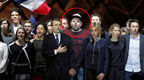 Emmanuel Macron et les militants d'En Marche! célèbrent la victoire à la présidentielle le 7 mai 2017 au Louvre, photo ©Benoit Tessier/Reuters