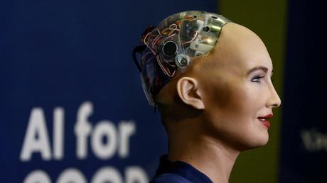 Sophia en juin 2017 à Genève, lors du sommet AI for good