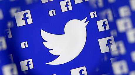 Illustration représentant les logos de Twitter et Facebook