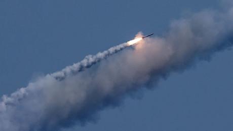 Syrie : un sous-marin russe tire des missiles de croisière sur une base de Daesh à Deir ez-Zor