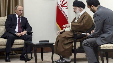 Vladimir Poutine et Ali Khamenei, le 1er novembre 2017, photo ©Sputnik/Reuters