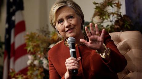 Selon une ex-responsable démocrate, Hillary Clinton avait la main sur le parti durant les primaires