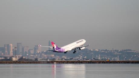 Un avion atterrit en flammes à l'aéroport de Seattle (VIDEO)