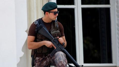 Un policier turc