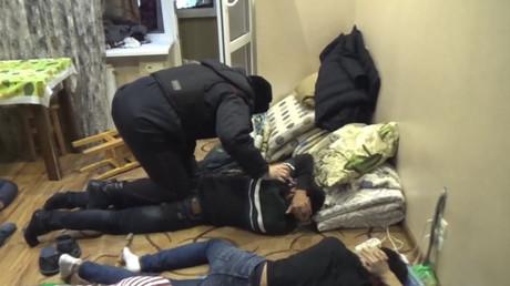 Le FSB démantelant une cellule secrète de l'organisation Tablighi Jamaat extémiste à Moscou.