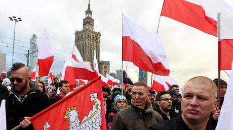 Participants à la marche pour commémorer le jour de l'indépendance de la Pologne. à Varsovie, le 11 novembre 2017.