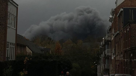 Un nuage potentiellement toxique envahit la banlieue de Bruxelles (IMAGES)