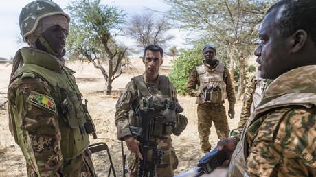 Arrivée d'Emmanuel Macron à Ouagadougou : attaque à la grenade contre des militaires français