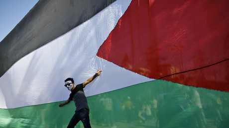 Gaza : la transition entre le Hamas et l'Autorité palestinienne ne dissipe pas les incertitudes