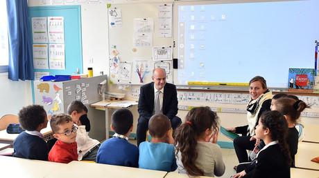 Le ministre de l'Education Jean-Michel Blanquer lors d'une visite d'une école à Toulouse, le 24 novembre