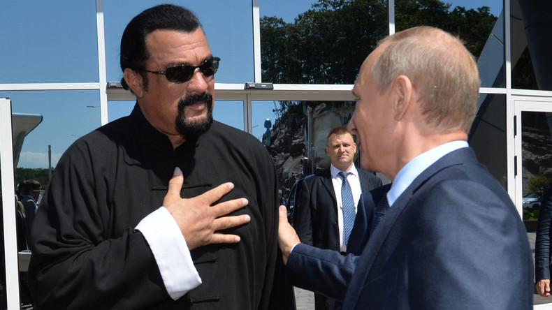 """According to Steven Seagal, Putin is a champion of the fight against terrorism and """"a big fan of Israel"""""""