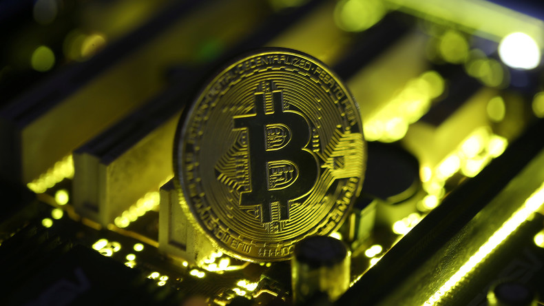 Le Bitcoin poursuit sa folle ascension et son cours atteint 15 000 dollars